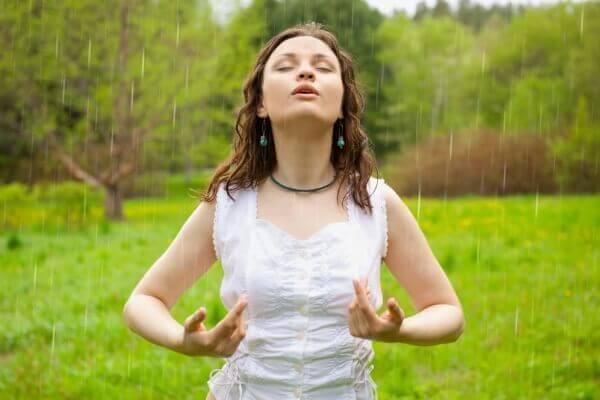 виды духовных практик для начинающих: Дыхательно-энергетические практики