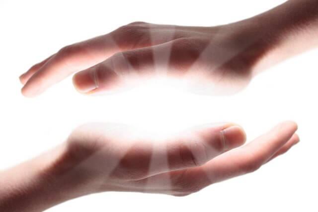 чакры на руках: энергия ладоней