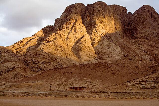 Чакры земли: Пятая чакра - гора Синай