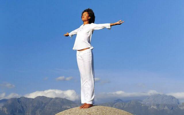 как управлять эмоциями: Примените медитации и духовные практики