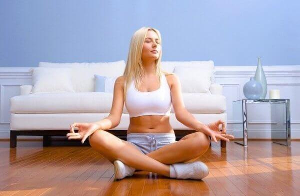 Не хватает энергии: Начните ваше утро с короткой медитации.