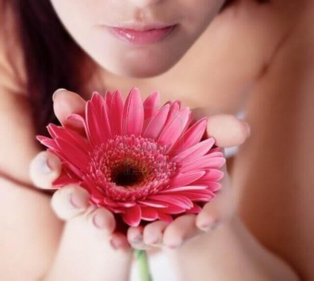 14 способов повышения женской энергетики: Дарите себе цветы