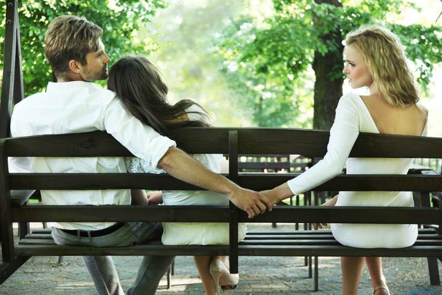 Почему липнут женатики