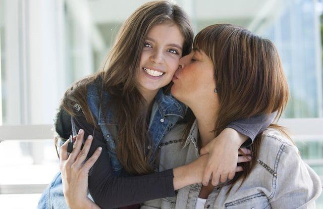Как создать здоровые отношения с ребенком-подростком